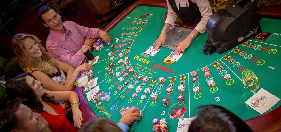 Baccarat Là Gì ? Cách Chơi Baccarat tại Casino Online