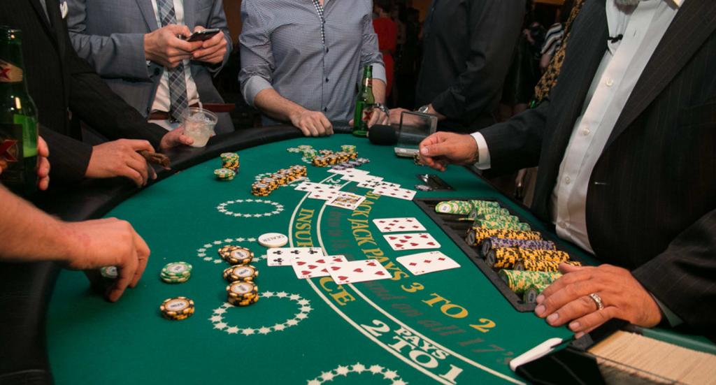 Blackjack Là Gì ? Cách Chơi Blackjack Online Bá Đạo Nhất 2021